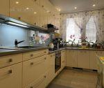Na predaj kompletne zrekonštruovaný čiastočne zariadený, priestranný 3i byt 72 m2 + balkón 6m2, Trenčín - Juh / K.Šmidkeho