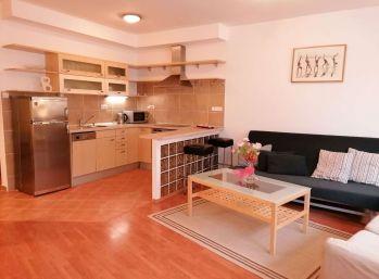 BA I. Staré mesto - 2 izbový zariadený byt s balkónom a garážou