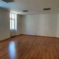 Obchodné, Banská Bystrica, 42.60 m², Kompletná rekonštrukcia