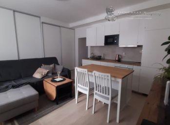 PRENÁJOM - 2 izbový byt Bratislava, Vajnorská ulica, v blízkosti OC CENTRAL