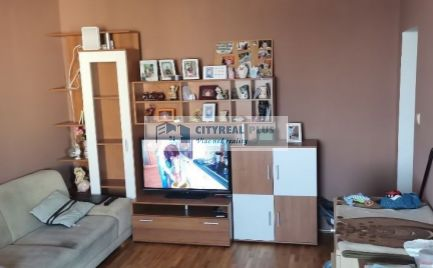 Predám priestranný  2- izbový byt  Nové Zámky