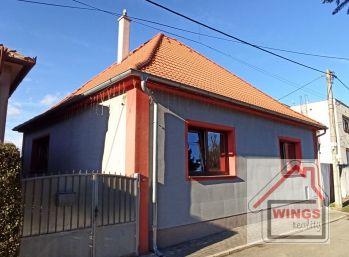 Rodinný dom s dvomi bytovými jednotkami Sereď Malá ulička