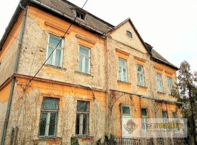 Ponúkame veľkú rodinnú vilu - bývalý kaštieľ v Hurbanove