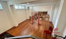Priestor v centre Komárna vhodný na byt, kanceláriu, podnikanie
