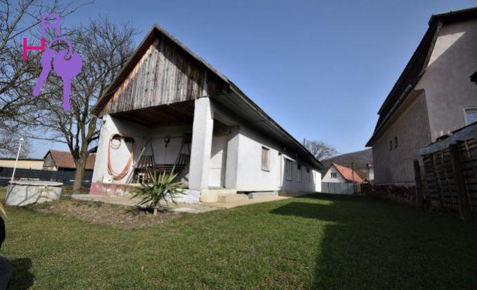 Chalúpka na predaj v obci Selec- Možná výmena za 1-2i byt v Trenčíne