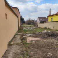 Pre rodinné domy, Trnava, 647 m²
