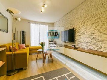 Rezervovaný-2 izbový zrekonštruovaný byt na Podháji