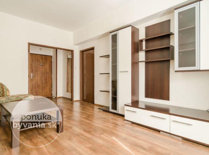 REZERVOVANÉ - KRÍŽNA, 2-i byt, 63 m2 – tehla, BALKÓN, výborné spoje MHD, TOP LOKALITA, zrekonštruovaný bytový dom