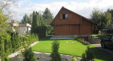 Na predaj chata i na trvalé bývanie, 308 m2, 5 izieb, Zelená voda - Nové Mesto nad Váhom