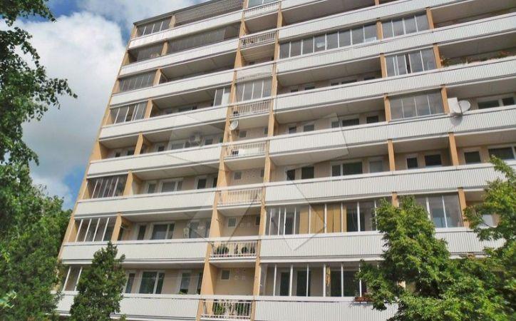 PREDANÉ - GABČÍKOVA, 3-i byt, 62 m2 - byt a dom po rekonštrukcii, VÝBORNÁ SLNEČNÁ DISPOZÍCIA, s veľkou loggiou, NÍZKE NÁKLADY
