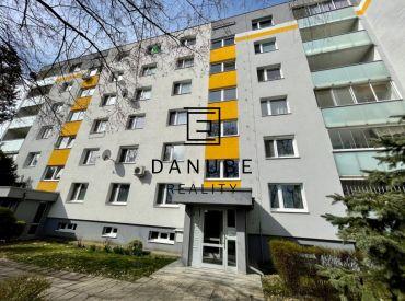Prenájom 2-izbový byt 56 m2 na Hraničnej ulici, Bratislava-Ružinov.