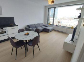 BA I. Staré mesto -2 izbový byt v SKYPARKU