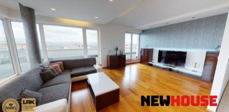 **REZERVOVANÝ** - Moderný a nadčasový 3 - izbový byt v novostavbe s veľkou terasou a vlastným parkovacím miestom vo Villa Parku v Trenčíne