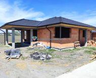 EXKLUZÍVNE LEN U NÁS!!! - DIAMOND HOME s.r.o. ponúka Vám na predaj exkluzívny 4izbový rodinný dom neďaleko od Dunajskej Stredy v obci Lehnice!