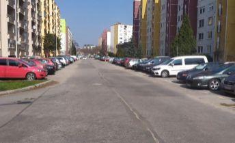 Predaj pekného slnečného 3 izbového bytu v dobrej lokalite mesta Nové Zámky.