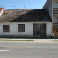 Rodinný dom, Kátlovce, 70 m², Pôvodný stav