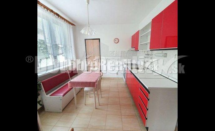 VÝborná lokalita, výborná ponuka 3 izbového veľkolepého bytu 86,5m2!