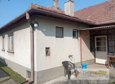 Ponúkame na predaj veľký rodinný dom v Hurbanove
