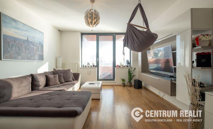 =REZERVOVANÉ= Priestranný a slnečný 2 izbový byt, Račianska ul, novostavba MANHATTAN, 3D obhliadka