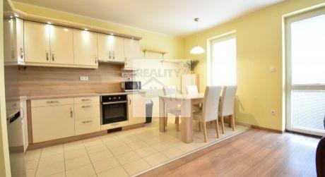 3 - izbový slnečný byt s balkónom 70m2, klimatizácia, výťah, parkovacie miesto