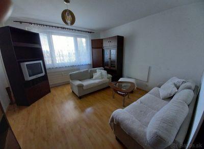 Ponúkame na predaj 3 izbový byt v Považskej Bystrici.