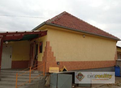 Ponúkame Vám na predaj komerčné a prevádzkové priestory v obci Zlatná na Ostrove