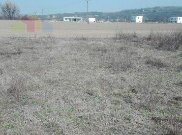 Stavebný pozemok 425 m2  - pre výstavbu RD, Sokolovce