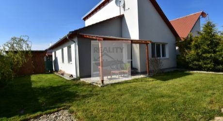 4 - izbový slnečný, samostatne stojaci rodinný dom 78m2, pozemok 292m2, kúpou voľný