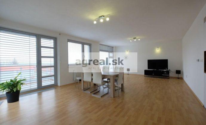 4-izb. byt s balkónom a parkngom / 3 bedrooms apt. with parking  - Fialkove udolie
