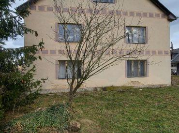 Dvojgeneračný rodinný dom v malebnej obci