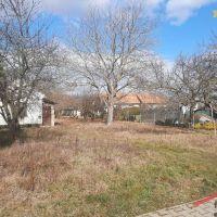 Pre rodinné domy, Lipová, 1238 m²