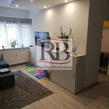 Na predaj útulný tehlový 2,5 izbový pavlačový byt v Unitas na rozhraní Starého a Nového Mesta