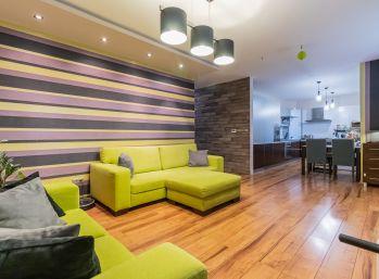 REZERVOVANÝ - Predaj 3 izb. bytu v novostavbe, s vlastným kúrením, 2 x loggia, podiel na priľahlom parku s ihriskom, posedením a parkovisku pred bytovým domom, Hlboká ulica