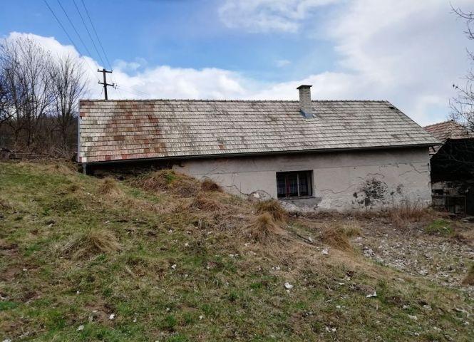 Rodinný dom - Horný Tisovník - Fotografia 1
