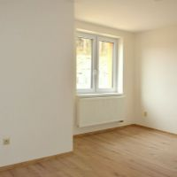 4 izbový byt, Nitrianske Pravno, 113 m², Kompletná rekonštrukcia