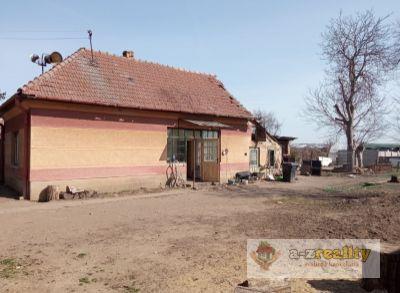 Ponúkame na predaj stavebný pozemok v Hurbanove
