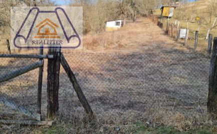 Pozemok na predaj v obci Papradno
