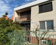TOP! Dvojgeneračný 5 izbový rodinný dom na predaj v slepej ulici v obci Vieska