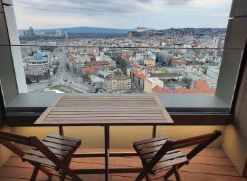 BA I. Luxusný 2 izbový byt v SKYPARK s nádherným výhladom