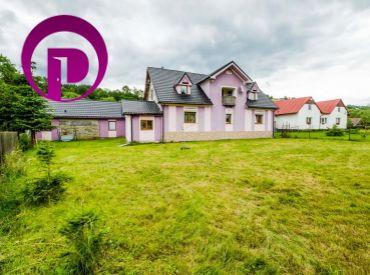 7i dom + 2i domček, ÚP 337m2– Skalité: ZNALECKÝ POSUDOK, pozemok 1400m2, obklopený ZELEŇOU, vlak+mhd 5min
