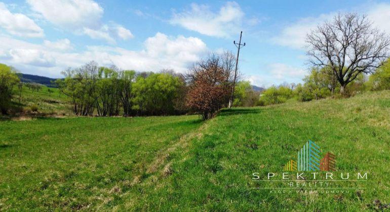 Exkluzívne na predaj stavebné pozemky v Bánovciach n/B- časť Malé Chlievany
