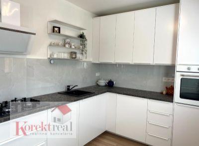 !!! 4 izb. krásny byt po celkovej rekonštrukcii v Dúbravke na Lysákovej ulici !!