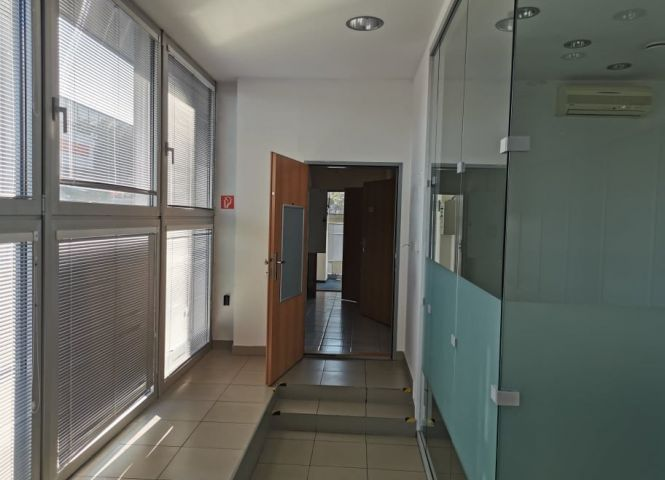 kancelárie - Michalovce - Fotografia 1
