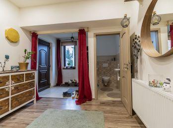 Predaj 4 izb. rodinného domu s garážou na 6á pozemku, Rohovce