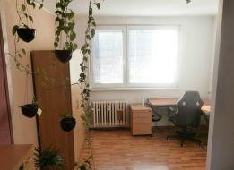 TOP Realitka – EXKLUZÍVNE! Rezervované - 2 izbový byt, 52m2, OV, perfektná dispozícia, zateplenie, pivnička, Top lokalita – Nejedlého ul.- BA