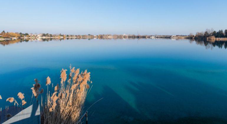 VIDEOPREHLIADKA: Veľký 6izb dom v lukratívnej oblasti pri brehu jazera v Rovinke na predaj