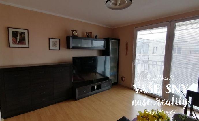 Priestranný 4- izbový byt v Trenčíne na prenájom