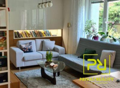Rezervovaný - Ponúkame Vám na predaj čiastočne zariadený 3 izbový byt Bratislava-Staré Mesto, Svetlá ul.