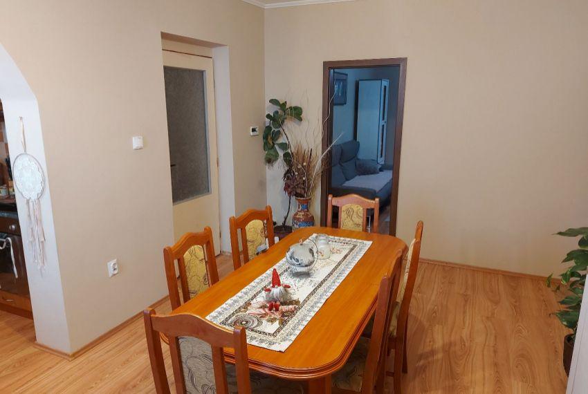 Predaj 4 izbový byt Želiezovce-7