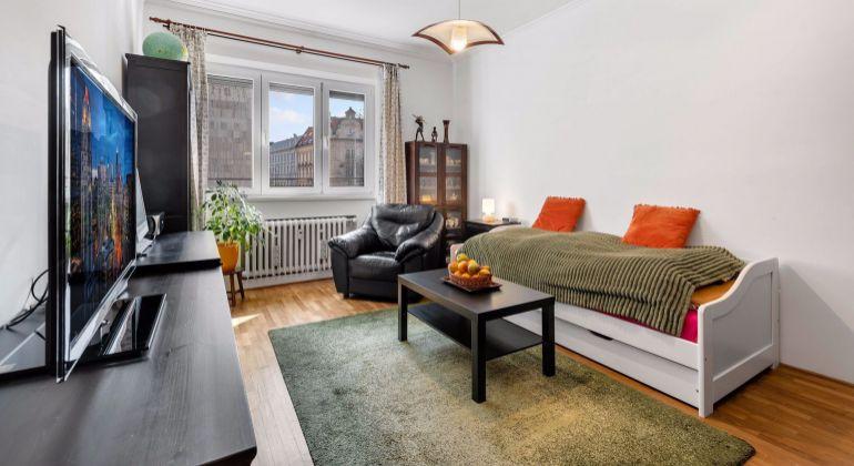Pekný 2 izbový byt na Vajanského nábreží